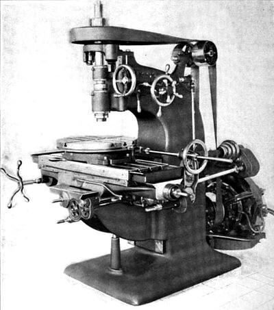 Fig. 9, Heavy Vertical Spindle Milling Machine with Rotary Table